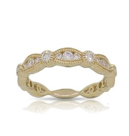 Luvente Yellow Gold Scalloped Diamond Band