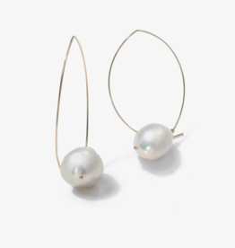Mizuki Marquis with Baroque White Pearl Earrings