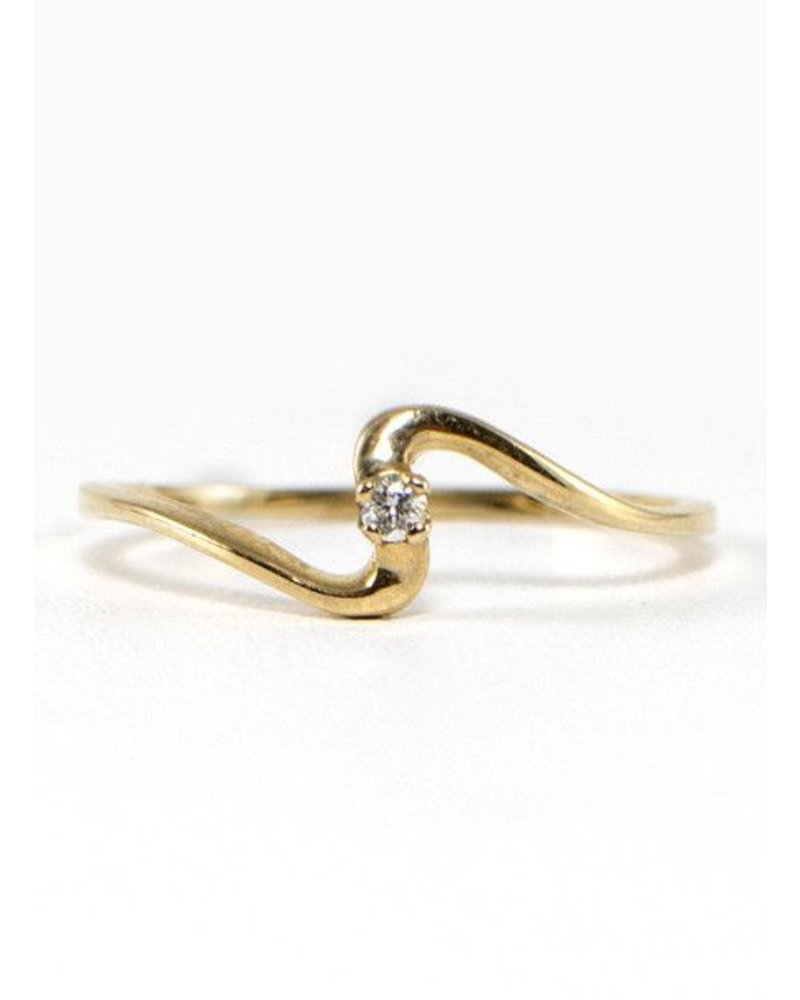 Eskell Fine Jewelry Eskell Yellow Gold & White Diamond Wave Ring- size 7