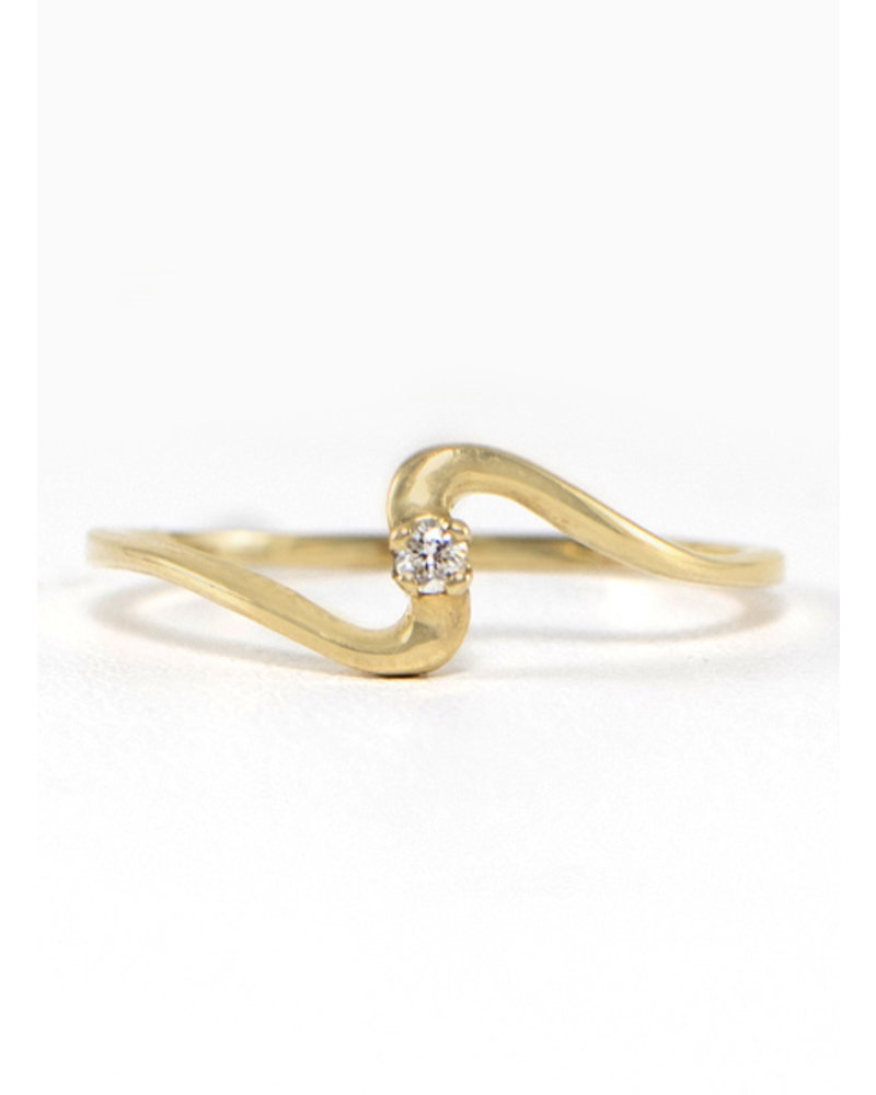Gold & Diamond Wave Ring - Size 8