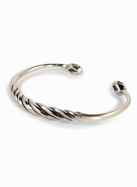 Break-a-Stone | Twist Cuff Silver