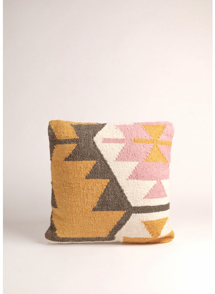 "Casa Amarosa Desert Kilim Geometric Pillow- Blush, 18""x18"""