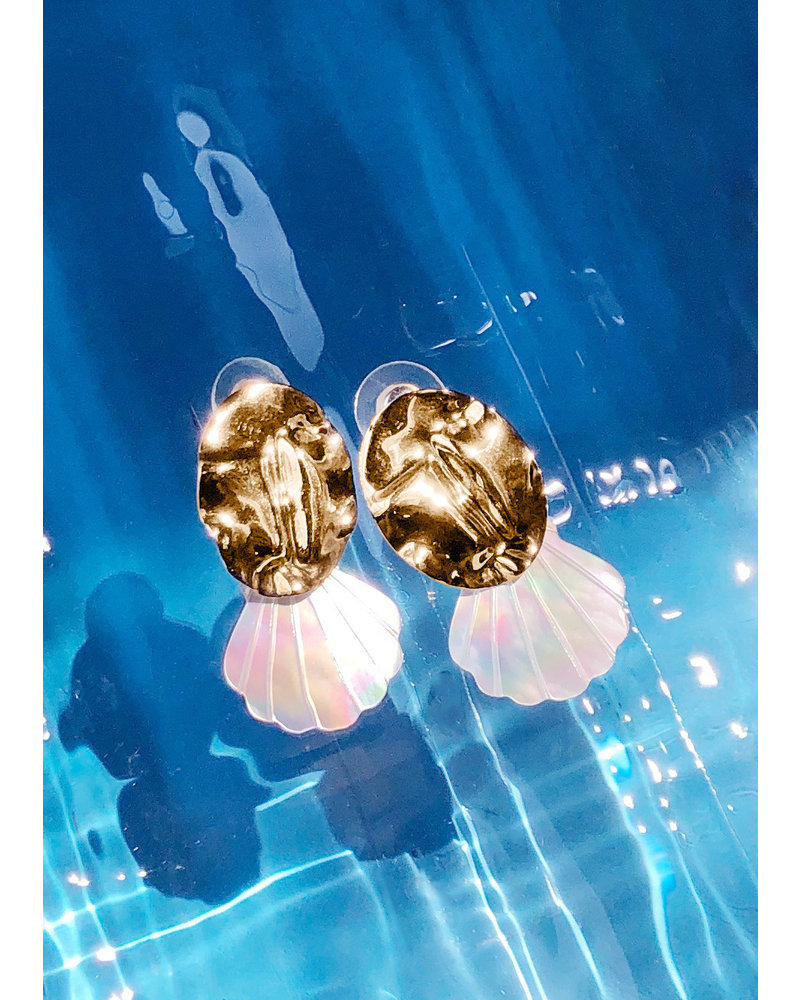 Sofia Pearl Shell Statement Earrings