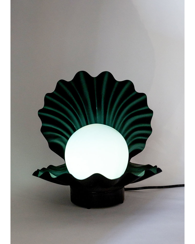 Vintage Touch-On Musical Shell Lamp