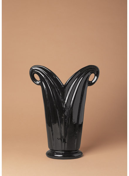 Black Camark Vase