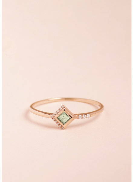 Emerald Mysterieux Ring - Size 8