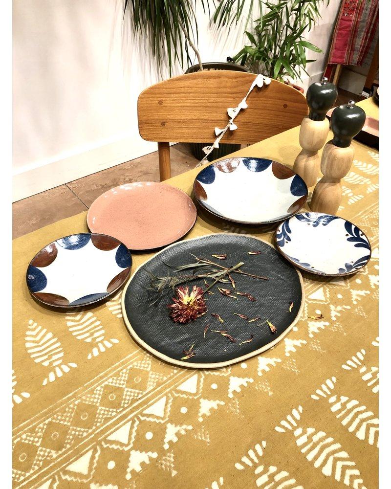 Matte Black Stoneware Plate