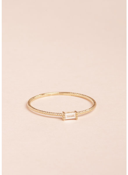 Golden Grace Twist Ring - Size 6