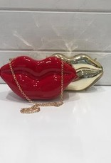 AMIANA ACCESS.INC LIP SHAPED VINYL PURSE