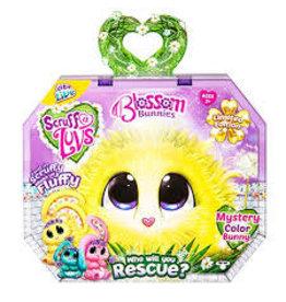 License 2 Play Scruff-a-Luvs Blossom Bunnies