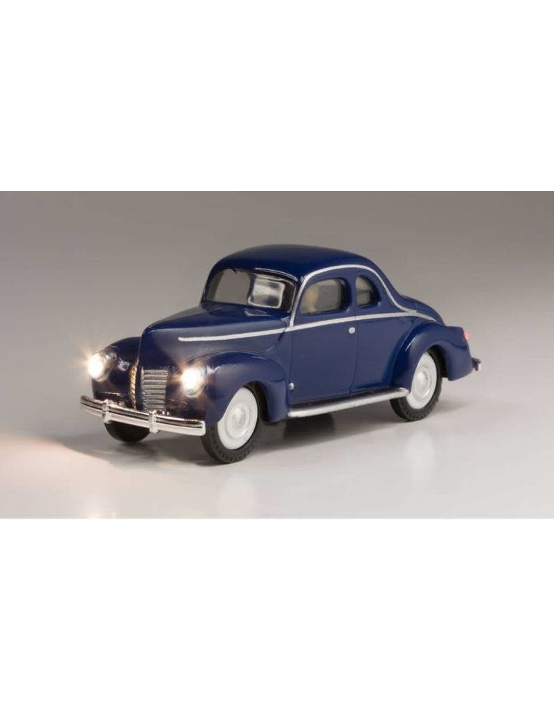 Walthers HO Scale Just Plug Blue Coupe