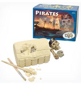 GeoCentral Pirate Skeleton Dig Kit
