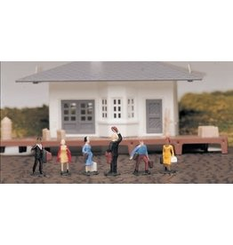 Bachmann Hobby HO Scale Figures - Waiting Passengers #42330