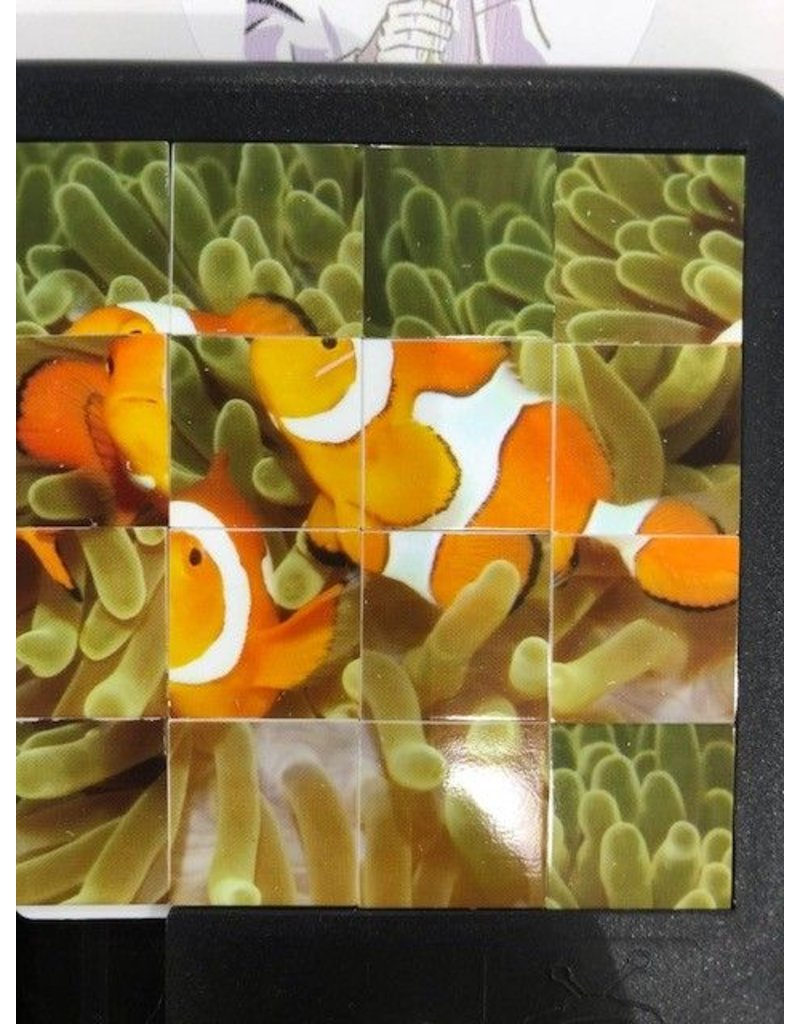 Family Games America Sliding Tile Puzzle - Deep Blue Sea - Clownfish
