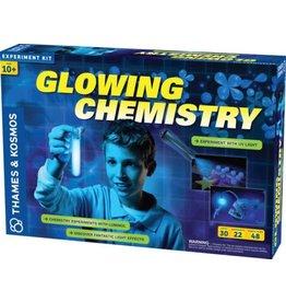 Thames & Kosmos Science Kit Glowing Chemistry