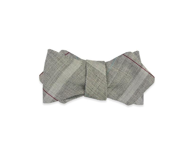 The Traveler Gray  Bow Tie