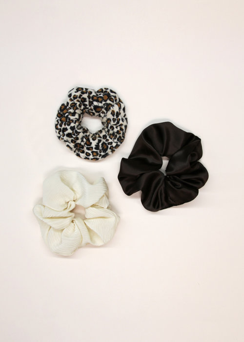 By PSC By PSC - Leopard Scrunchies Set