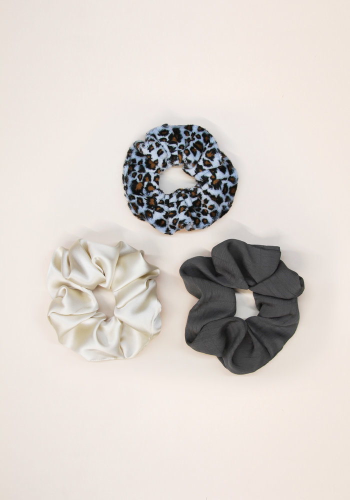 By PSC - Blue Leopard Scrunchies Set