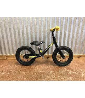 Used Used 2014 Giant Pre Boys