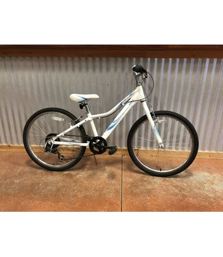 Used Used 2014 Giant Revel Jr. 24 Girls