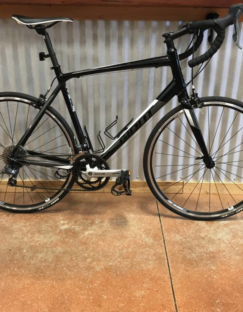 Used Used 2017 Giant Contend 3 Large