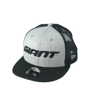 Giant Hat Giant New Era 9FIFTY Snapback Trucker Gray