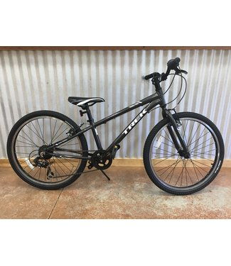 Used Used 2016 Trek Precaliber 7spd 24in