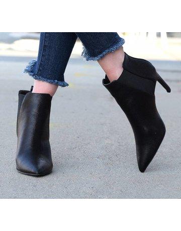 Qupid Black Leather Bootie w/ Elastic