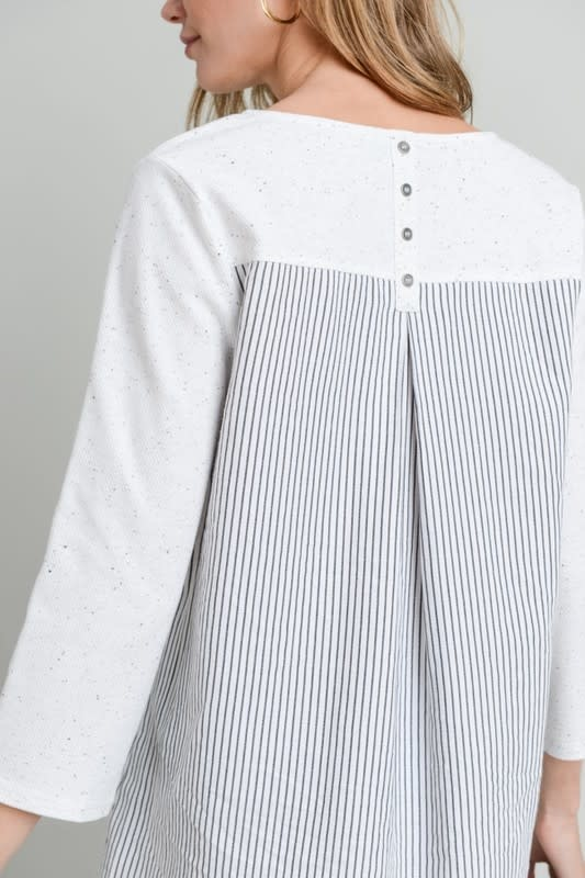 3/4 Speckled Striped Button Detail