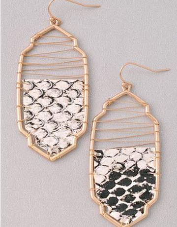 Snake Skin Earring With Wire