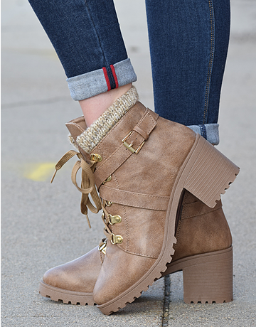Lace Up Hike Boot