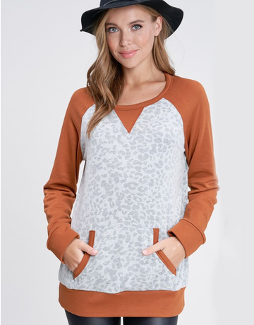 Long Sleeve Leopard Print Kit Top with Pocket