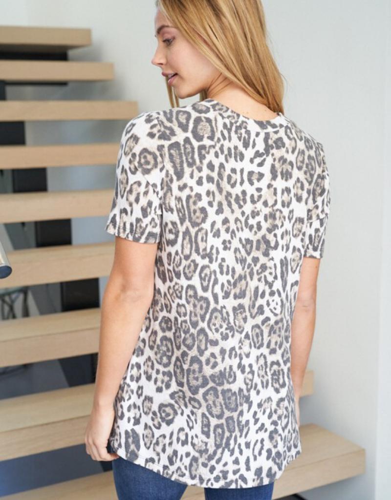 Short Sleeve Cheetah Print Knit Top