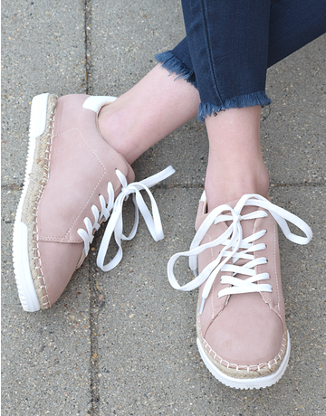 Lucia Sneakers