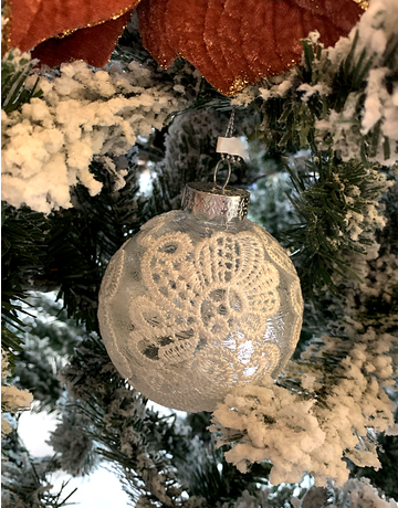 Lacy Round Ornaments