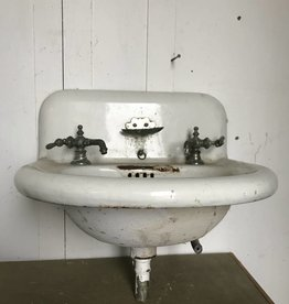 R&F Porcelain Enameled Cast Iron Sink w/ Clam Shell Soap Dish