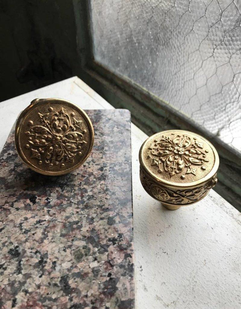 R&F Polished Baroque Doorknob Set