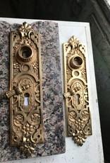 R&F Antique Polish Brass Escutcheon Plate w/ Key Dongle
