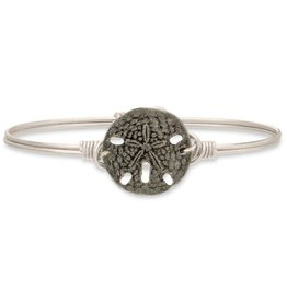 LUCA AND DANNI STC214S SANDDOLLAR ON SILVER WIRE WRAPPED BRACELET