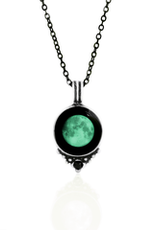 MOONGLOW JEWELRY Classic Necklace with Black Swarovski Crystal in Pewter