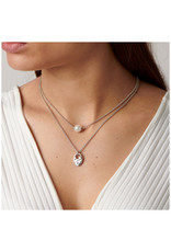 UNO DE 50 COL1374BPLMTL0U Double short necklace in metal clad with silver with charm and pearl.