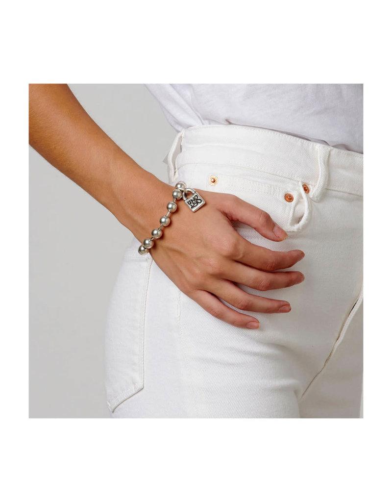 UNO DE 50 PUL1215MTL0000M Metal bracelet clad with silver characteristic of Uno de 50 clad with silver.
