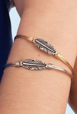 LUCA AND DANNI STC755S MINI LUCKY FEATHER BRACELET SILVER TONE REGULAR