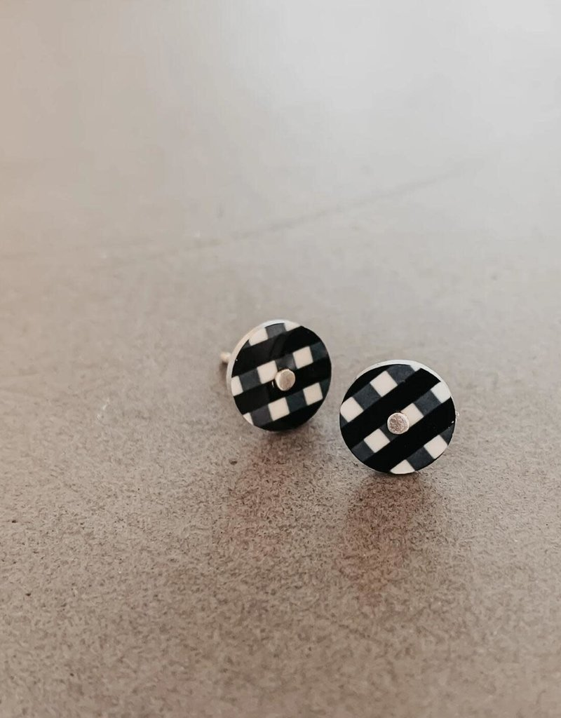 EMCSEBOSG6 Ebony Striped Gingham Mini Circle Stud Earrings