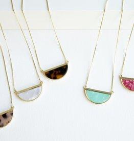Mcdow Highland Necklace- Acrylic