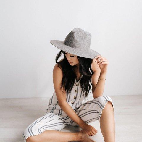 Scottie Grey- Wide Stiff Brim Hat