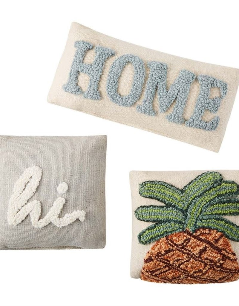 HOOKED APPLIQUE PILLOWS