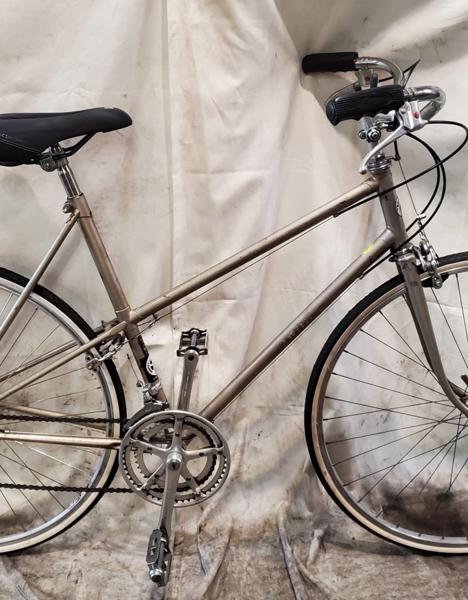 56cm Schwinn Road Bike (2779 sfr)