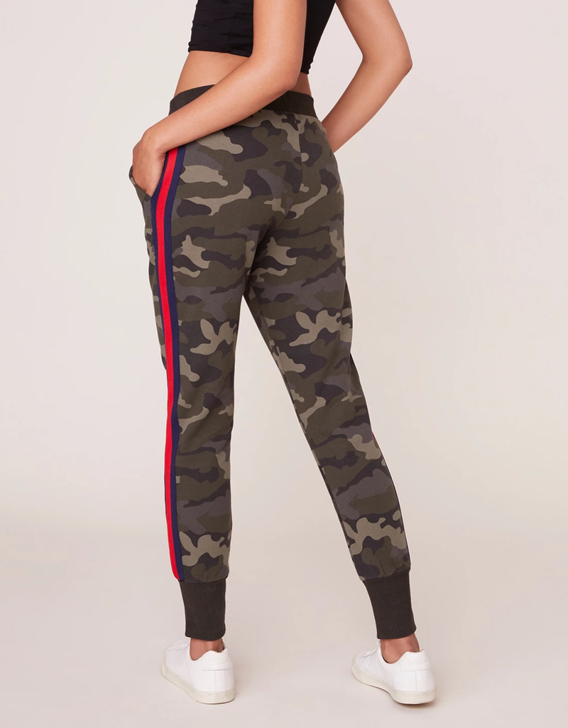 BB Dakota Leg Room Camo Pants