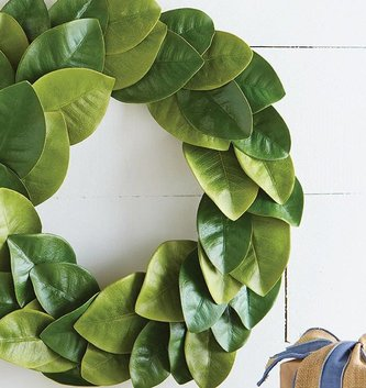 "19"" Magnolia Leaf Wreath"